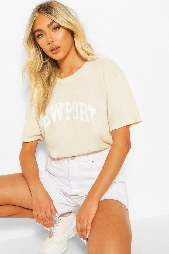 "Womens T-Shirt Mit Washed-Effekt Und ""Newport""-Slogan - Sand - S"
